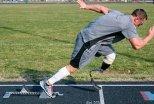 Sprinter z protezą nogi